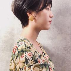 ミニボブ ナチュラル ショートボブ ベージュ ヘアスタイルや髪型の写真・画像