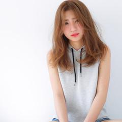 ベージュ ピュア フェミニン セミロング ヘアスタイルや髪型の写真・画像