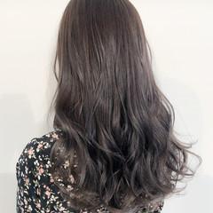 コテ巻き デザインカラー 大人かわいい ナチュラル ヘアスタイルや髪型の写真・画像