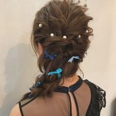 ねじり ハイライト 謝恩会 セミロング ヘアスタイルや髪型の写真・画像