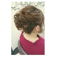 ヘアアレンジ ミディアム フェミニン シニヨン ヘアスタイルや髪型の写真・画像