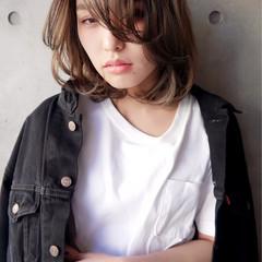 色気 大人女子 ミディアム 前髪あり ヘアスタイルや髪型の写真・画像
