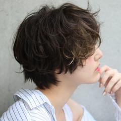 ショート ガーリー インナーカラー ヘアスタイルや髪型の写真・画像