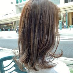 ハイライト ブルーアッシュ グレージュ アッシュベージュ ヘアスタイルや髪型の写真・画像