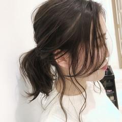 ローポニーテール 簡単ヘアアレンジ ポニーテールアレンジ ナチュラル ヘアスタイルや髪型の写真・画像