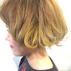 グラデーションカラー 外ハネ イエロー オレンジ ヘアスタイルや髪型の写真・画像