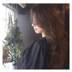 ナチュラル ベージュ アッシュグレージュ 簡単ヘアアレンジ ヘアスタイルや髪型の写真・画像