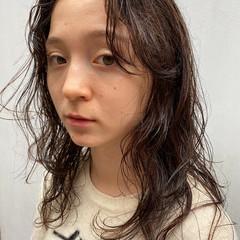 ゆるふわパーマ ナチュラル チョコレート パーマ ヘアスタイルや髪型の写真・画像