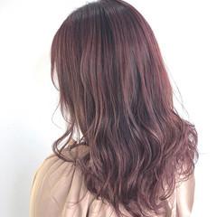 フェミニン ロング ラベンダーピンク ピンク ヘアスタイルや髪型の写真・画像