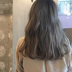 女子会 デート リラックス アンニュイ ヘアスタイルや髪型の写真・画像