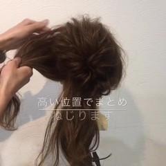 ミディアム ニュアンス ヘアアレンジ ゆるふわ ヘアスタイルや髪型の写真・画像
