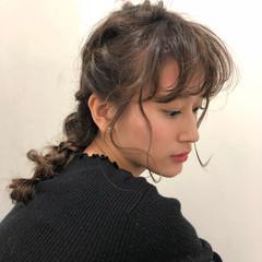 簡単ヘアアレンジ デート オフィス フェミニン ヘアスタイルや髪型の写真・画像