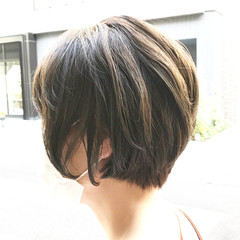 オリーブベージュ ショートヘア ショート 大人ショート ヘアスタイルや髪型の写真・画像