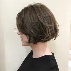 ハイライト アッシュベージュ かっこいい ボブ ヘアスタイルや髪型の写真・画像