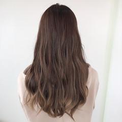ロング ナチュラル 髪質改善トリートメント バレイヤージュ ヘアスタイルや髪型の写真・画像