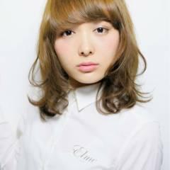 ゆるふわ ミディアム モテ髪 フェミニン ヘアスタイルや髪型の写真・画像