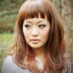 ストリート ベージュ セミロング 前髪あり ヘアスタイルや髪型の写真・画像