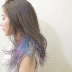 セミロング レイヤーカット ストレート カラーバター ヘアスタイルや髪型の写真・画像