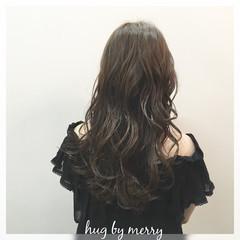 黒髪 アッシュ 大人かわいい ロング ヘアスタイルや髪型の写真・画像