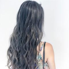 アッシュグレージュ フェミニン グレージュ ロング ヘアスタイルや髪型の写真・画像