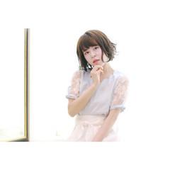 フェミニン ウェットヘア パーマ フリンジバング ヘアスタイルや髪型の写真・画像