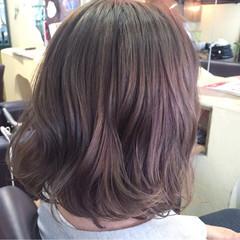 ピンク ミディアム アッシュ イルミナカラー ヘアスタイルや髪型の写真・画像