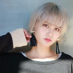 ショートヘア ショート ホワイトベージュ モード ヘアスタイルや髪型の写真・画像