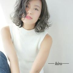 グラデーションカラー ミディアム アッシュ フェミニン ヘアスタイルや髪型の写真・画像