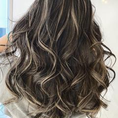 ブリーチ必須 ハイライト エレガント バレイヤージュ ヘアスタイルや髪型の写真・画像