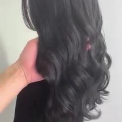 シルバーグレー ダークグレー 暗髪 ダークカラー ヘアスタイルや髪型の写真・画像