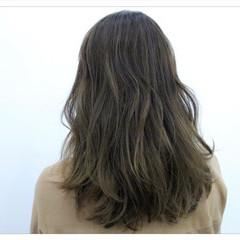 グラデーションカラー 暗髪 アッシュ エレガント ヘアスタイルや髪型の写真・画像
