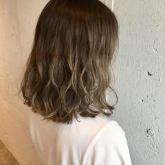 ストリート 大人かわいい ミディアム ハイライト ヘアスタイルや髪型の写真・画像