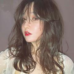 セミロング ハイライト フェミニン ヘアアレンジ ヘアスタイルや髪型の写真・画像