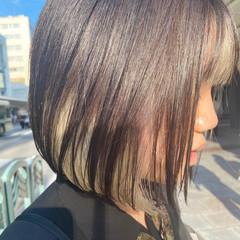 ミニボブ ホワイトブリーチ ボブ インナーカラー ヘアスタイルや髪型の写真・画像