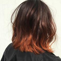 外ハネ インナーカラー ハイライト ボブ ヘアスタイルや髪型の写真・画像