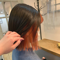 インナーカラー オレンジカラー ボブ 切りっぱなしボブ ヘアスタイルや髪型の写真・画像