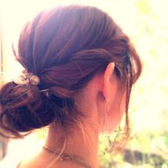 ねじり ショート セミロング 簡単ヘアアレンジ ヘアスタイルや髪型の写真・画像
