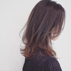 フェミニン セミロング 外国人風カラー グラデーションカラー ヘアスタイルや髪型の写真・画像