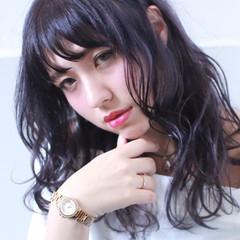 セミロング 外国人風 ブルー 暗髪 ヘアスタイルや髪型の写真・画像