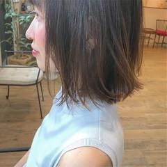 まとまるボブ ナチュラル グラデーションカラー ロブ ヘアスタイルや髪型の写真・画像