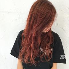 ストリート ヘアアレンジ ウェーブ 外国人風カラー ヘアスタイルや髪型の写真・画像