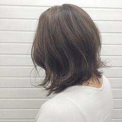 暗髪 ハイライト ミディアム ボブ ヘアスタイルや髪型の写真・画像