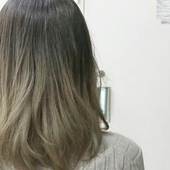 グラデーションカラー アッシュ ニュアンス ミディアム ヘアスタイルや髪型の写真・画像
