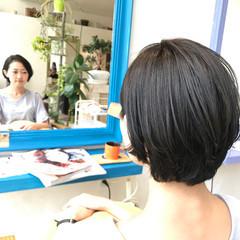 グレー 秋 ナチュラル ブルー ヘアスタイルや髪型の写真・画像