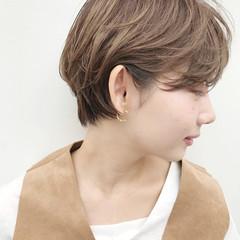 フェミニン ボブ 秋 ふわふわ ヘアスタイルや髪型の写真・画像