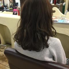 アッシュグレージュ アッシュ 大人女子 ナチュラル ヘアスタイルや髪型の写真・画像