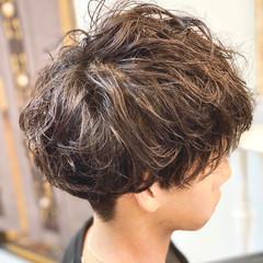 ショート ナチュラル スパイラルパーマ メンズパーマ ヘアスタイルや髪型の写真・画像