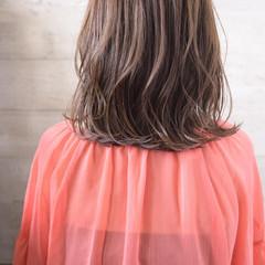 ミディアム 可愛い ナチュラル 巻き髪 ヘアスタイルや髪型の写真・画像