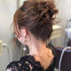 ナチュラル お団子 パーティ 結婚式 ヘアスタイルや髪型の写真・画像