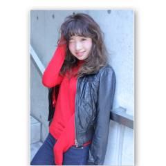 ミディアム グラデーションカラー ストリート 大人かわいい ヘアスタイルや髪型の写真・画像